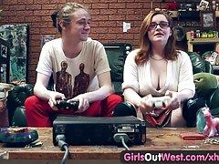 Dziewczyny filmy erotyczne w hd out west - Owłosione amatorskie cipki lizał i wiercone