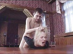 Filmy porno do pobrania zaprosił dziewczynę do najlepszych restauracji