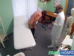 Filmy do pobrania fakehospital lekarz przepisze jego kogut, aby pomóc złagodzić ból