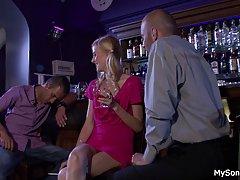 Filmy sex darmowe gorąca blondynka rides stary człowiek wielki kutas