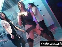 Biseksualne darmowe fimiki dziwki lizać cipki w klubie