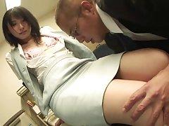 Biuro sex po amatorsku Laski w pończochach dostaje złodziejski przed walić